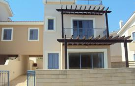 Coastal townhouses for sale in Famagusta. 4 Bedroom Link Detached House 50 meters from the Beach