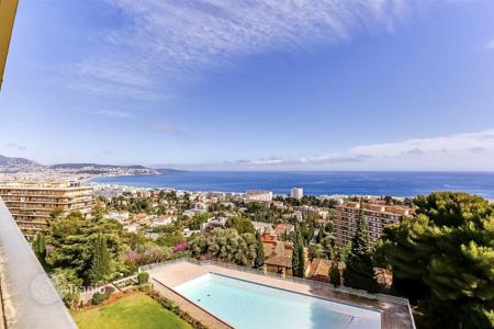 2 bedroom apartments for sale in Nice. Sea view apartment in a renovated residence with garden and swimming pool, in Nice, Cote d`Azur, France