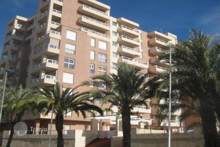 Bank repossessions property in La Manga del Mar Menor. Apartment – La Manga del Mar Menor, Murcia, Spain