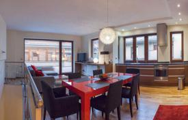 3 bedroom apartments for sale in Hungary. Furnished penthouse with a terrace, in the VI district of Budapest, Hungary