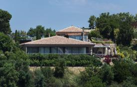5 bedroom houses for sale in Gerona (city). Two-storey villa with a pool and a guest house, overlooking the sea, next to the golf course, Castell Platja d'Aro, Spain