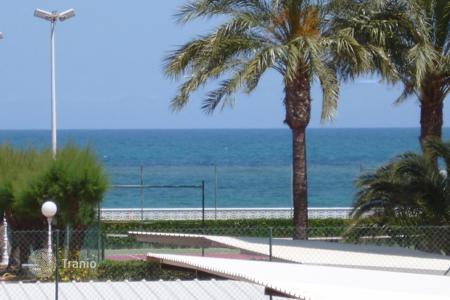 Cheap apartments with pools for sale in Denia. Furnished apartment in Denia, Spain. Residence on the seafront