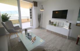 3 bedroom apartments for sale in Majorca (Mallorca). Furnished apartment with a terrace and a direct access to the beach, Torrenova, Spain