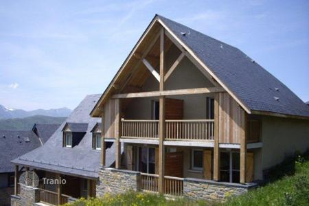 2 bedroom houses for sale in France. Chalet - Auvergne-Rhône-Alpes, France
