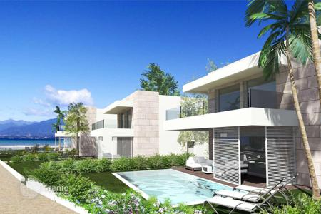 Houses from developers for sale in Lombardy. Luxury villa wıth a private swimming pool, Sirmione