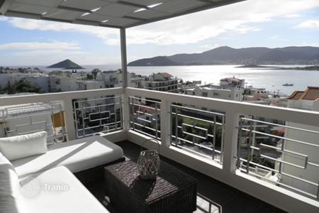 Coastal residential for sale in Porto Rafti. High-end apartment with a panoramic sea view, at 50 meters from the beach, Porto Rafti, Greece