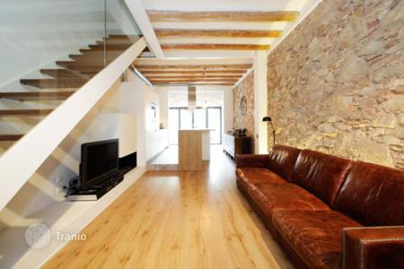 Townhouses for sale in Sant Andreu. Сomfortable semi-detached house in Sant Andreu