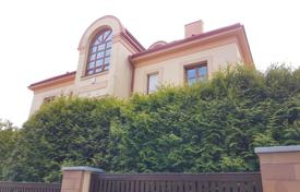 Houses with pools for sale in Praha 5. Villa – Praha 5, Prague, Czech Republic