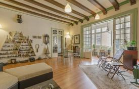 5 bedroom apartments for sale in Catalonia. Apartment – Carrer d'Aragó, Barcelona, Catalonia,  Spain