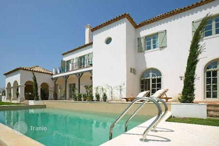 5 bedroom houses for sale in Buron. Elegant villa with separate apartment