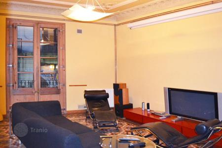 5 bedroom apartments for sale in Catalonia. Spacious apartment in the Gothic Quarter, the center of Barcelona