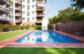 2 bedroom apartments for sale in Costa Dorada. Penthouse with floor-to-ceiling windows and a rooftop terrace, Cambrils, Spain