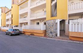 Cheap apartments with pools for sale in Alicante. Orihuela Costa, Lomas de Cabo Roig. Apartment with 75 m² consists of: 2 bedrooms, 1 bathroom