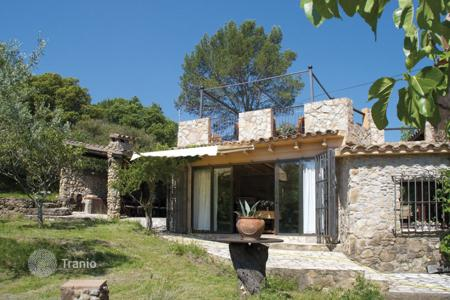 Coastal houses for sale in Gerona (city). Country seat – Gerona (city), Costa Brava, Spain