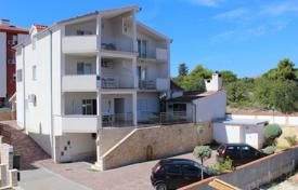 Coastal apartments for sale in Dalmatia. Family house with apartments