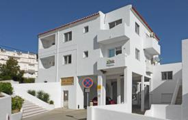 Residential for sale in Budens. 3 bedroom apartment with communal pool, close to beach, Salema, West Algarve