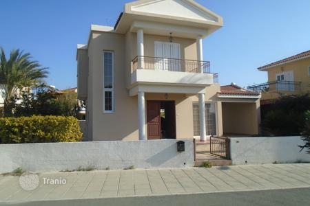 Houses with pools for sale in Larnaca. Three Bedroom Detached House