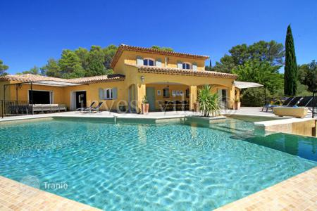 Villas and houses to rent in Lorgues. Villa – Lorgues, Côte d'Azur (French Riviera), France