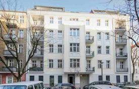 2 bedroom apartments for sale in Berlin. Art Nouveau apartment in coveted Berlin neighborhood