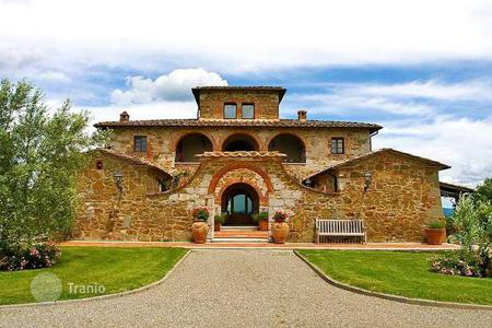 Luxury houses for sale in Castelnuovo Berardenga. Villa – Castelnuovo Berardenga, Tuscany, Italy