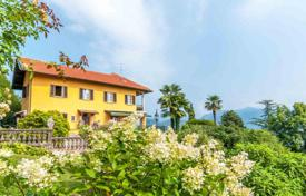 Luxury residential for sale in Maggiore (Italy). Spacious 3-storey villa with a large plot of land and a well-tended garden, on the shores of picturesque Lake Maggiore!