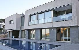 Luxury houses for sale in Costa Brava. House in Сala Sant Francesc