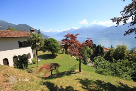 2 bedroom houses for sale in Italian Lakes. Villa – Lake Como, Lombardy, Italy
