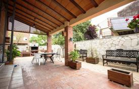 Property for sale in Reus. Spacious villa with a courtyard, a barbecue area and a terrace, Reus, Spain