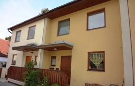 Residential for sale in Vienna. Three-level townhouse with a garden in the area of Donaustadt, Vienna