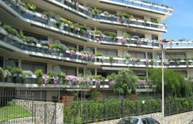 Apartments with pools from developers for sale in Spain. Two bedroom apartment with two balconies in a new house with pool and garden, close to the park, district Sarria-Sant Gervasi, Barcelona