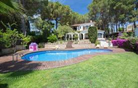 4 bedroom villas and houses to rent in Costa Brava. Luxury villa with a pool and a sea view in a prestigious residence, 3 minutes away from the beach, Lloret de Mar, Spain