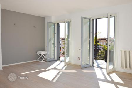 1 bedroom apartments for sale in Liguria. One bedroom apartment with private terrace and balcony near the city center of Bordighera, Liguria, Italy