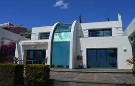 3 bedroom houses for sale in Madeira. Home with breathtaking views of Funchal