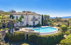 Luxury residential for sale in Gassin. Provenсal style villa with panoramic sea views, a private garden, a swimming pool, a Jacuzzi and a garage, Gassin, France