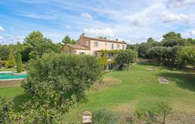Residential to rent in Goult. Luberon — Luxurious property with view
