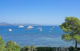 Saint-Tropez — Waterfront property. Price on request