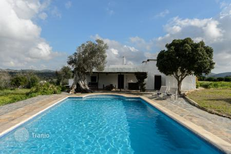 3 bedroom villas and houses to rent in Balearic Islands. Detached house – Ibiza, Balearic Islands, Spain