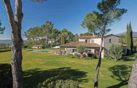 Close to Mougins — Castellaras — Superb villa in exceptional environment for 2,790,000 €