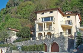 Luxury houses for sale in Lombardy. Villa – Lake Como, Lombardy, Italy