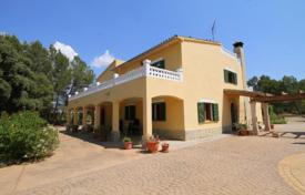 Spacious villa with a separate guest apartment, a garden, a pool and a parking, Algaida, Spain for 695,000 €