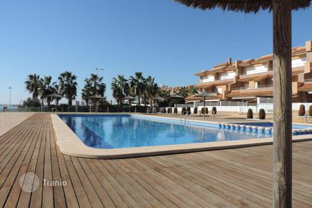5 bedroom apartments for sale in Spain. Comfortable apartments in a residential complex on the seafront