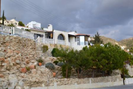 Coastal chalets for sale in Paphos. 3 Bedroom, 3 Bathroom Detached Bungalow With TITLE DEEDS — Kamares