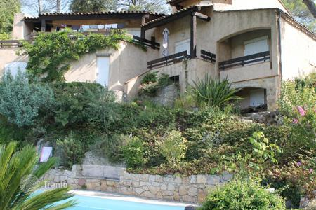 Residential for sale in Roquefort-les-Pins. Roquefort-les-Pins — Sough-after domain