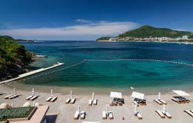 Luxury apartments with pools for sale in Montenegro. Apartment with stunning sea view in Dukley Gardens
