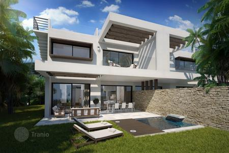 3 bedroom houses for sale in Costa del Sol. Semi Detached House for sale in Estepona Playa, Estepona