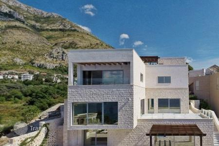 Luxury property for sale in Katun Rezevici. Villa – Katun Rezevici, Budva, Montenegro