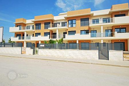 Cheap 3 bedroom apartments for sale in Valencia. 3 Bedroom apartment near the beach in La Zenia