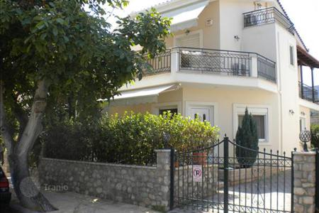 6 bedroom houses for sale in Administration of the Peloponnese, Western Greece and the Ionian Islands. 3-storey cottage in the Peloponnese