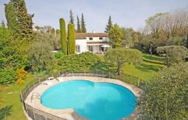 Cheap 6 bedroom houses for sale in Provence - Alpes - Cote d'Azur. Villa – Grasse, Côte d'Azur (French Riviera), France