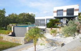 Luxury 5 bedroom houses for sale in Cagnes-sur-Mer. Villa – Cagnes-sur-Mer, Côte d'Azur (French Riviera), France